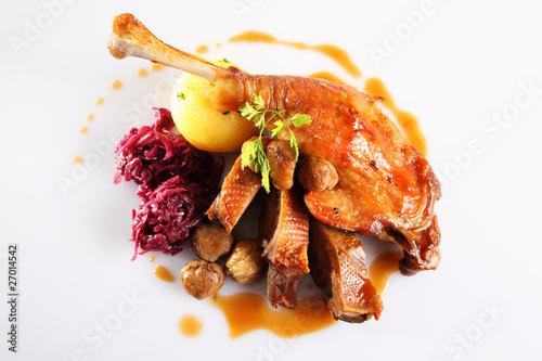 gänsebraten,knödel,rotkraut/roast goose