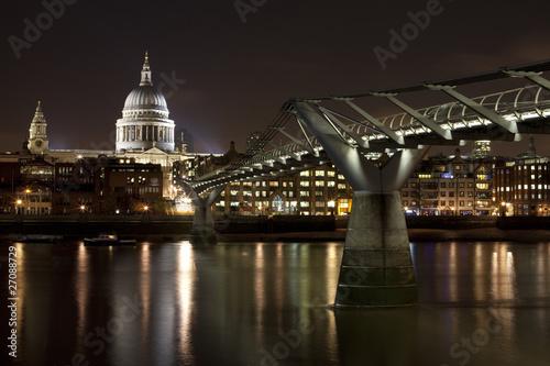 st-paul-39-s-and-millennium-bridge