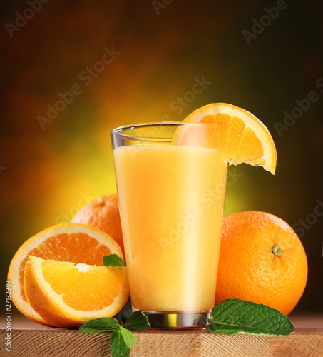 Foto op Plexiglas Sap Oranges and glass of juice.