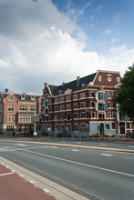 AMSTERDAM'S ARCHITECTURE No.4