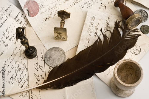 Poster Kranten background with old letters,stamps and feather