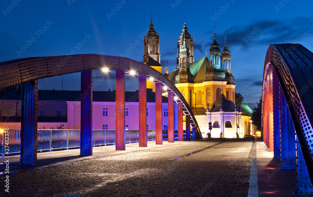 Fototapety, obrazy: Most świętego Jordana w Poznaniu z katedrą w tle