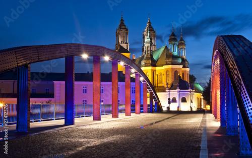 Obraz Most świętego Jordana w Poznaniu z katedrą w tle - fototapety do salonu