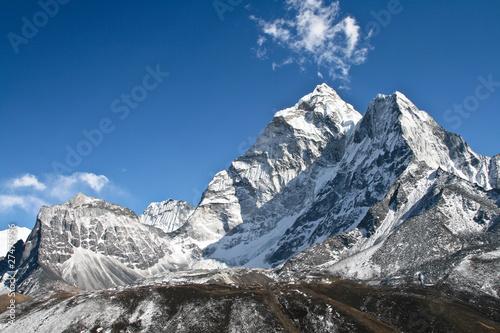 ama-dablam-gora-khumbu-lodowiec-nepal