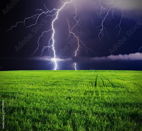 Wall mural - thunderstorm