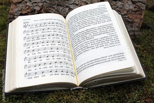 Valokuva  Aufgeschlagenes Gesangbuch