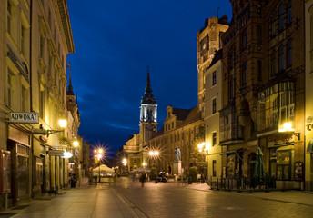 Fototapeta Miasto Toruń nocą