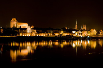 Miasto Toruń nocą