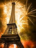 Fototapeta Wieża Eiffla - eiffel with fireworks