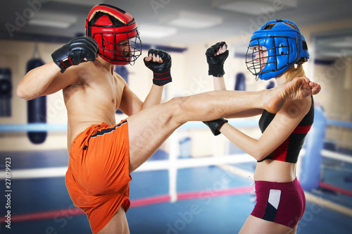 Принти на полотні Two person training kikboxing on ring