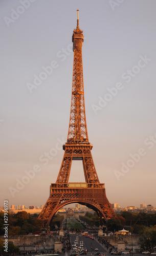 Montage in der Fensternische Gelb Schwefelsäure Tour Eiffel
