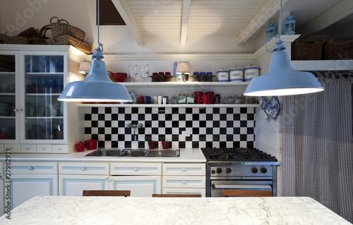 Nuova cucina in vecchio stile. Arredo stile liberty antico – kaufen ...