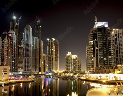 Obrazy na płótnie Canvas Dubai Marina at night