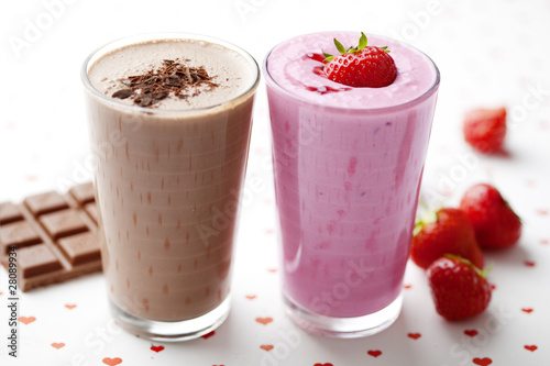 Fotografie, Obraz  chocolate and strawberry milkshake