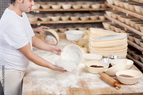 Fotografie, Obraz  bäcker bei der arbeit
