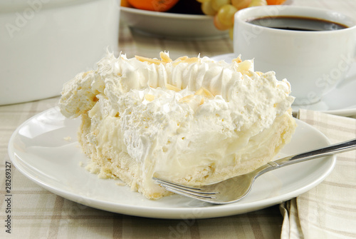 Fototapeta Slice of banana cream pie