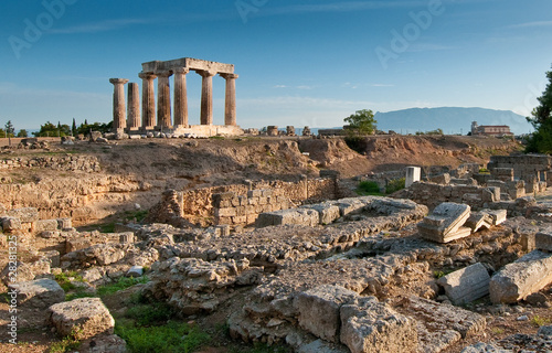 Valokuvatapetti Temple of Apollo amidst the ruins of Ancient Corinth, Greece