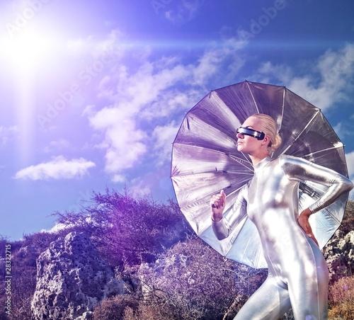 La pose en embrasure Forets enfants Cyber woman in the mountains
