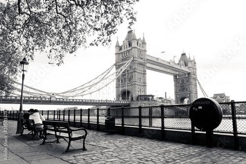 Plakaty czarno białe  londyn-czarno-biala