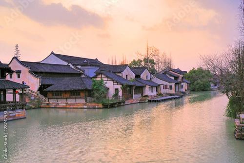 Photo  Jangsu, the Xizha ancient village at sunset