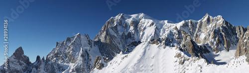 Fototapeta Szczyt Mont Blanc w bezchmurny dzień szeroka