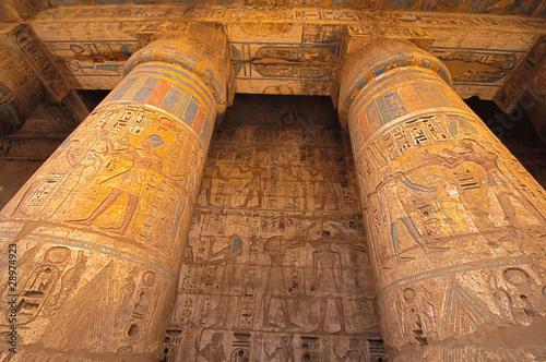 In de dag Egypte Heiroglyphs at Medinat Habu. Luxor, Egypt