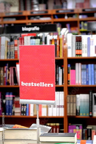 Photographie  Bookstore and special area with bestsellers books