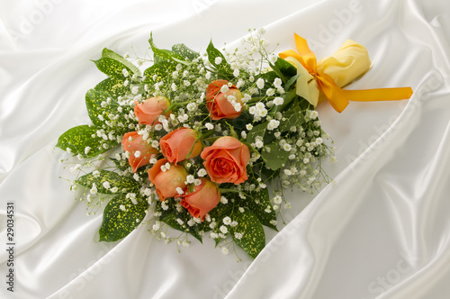 Leinwand Poster バラの花束とドレープ