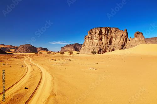 Poster Algérie Road in Sahara Desert, Tadrart, Algeria