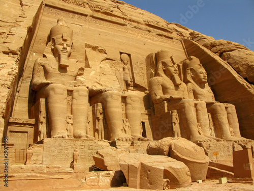 Fotografija  Awesome Temple of Pharaoh Ramses II in Abu Simbel, Egypt.