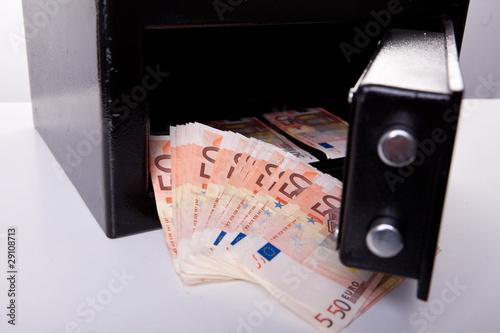Geld im Safe © Andreas Metz