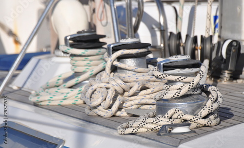 Fotografiet  voilier winch et cordage détail