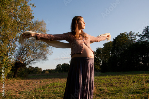 Obraz Young pregnant - fototapety do salonu
