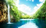 wodospad w głębokim lesie - 29434366