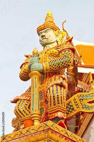 Fotografía  Giant statue in Thai temple