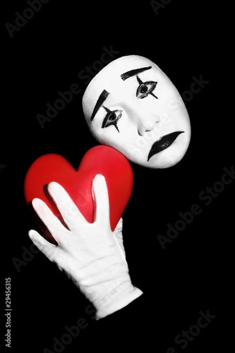 Poster Rouge, noir, blanc Mime with red heart