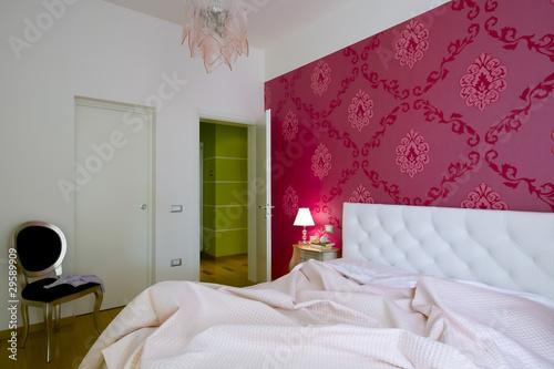 lussuosa camera da letto con tappezzeria damascata – kaufen Sie ...