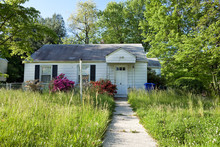 Abandoned Foreclosed Cape Cod ...