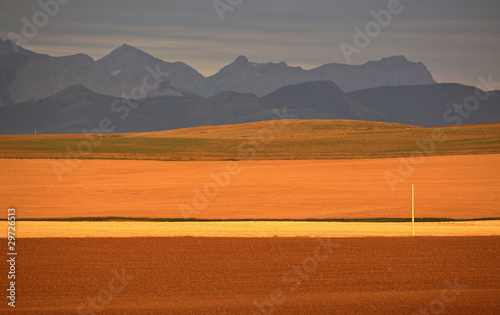 Stickers pour portes Orange eclat High Plains of Alberta with Rocky Mountains in distance