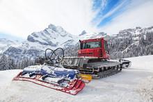 Machine For Snow Preparation
