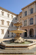 palazzo con fontana