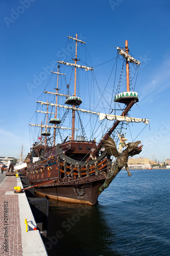 Foto auf AluDibond Schiff Sail boat at the pier in Gdynia, Poland.