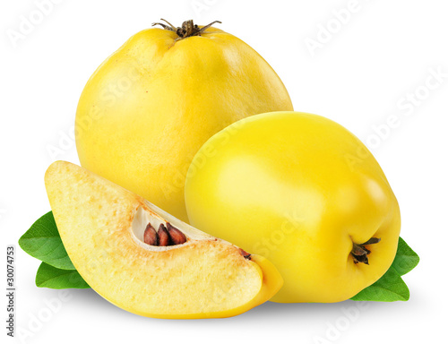 Tableau sur Toile Quince fruits isolated on white background