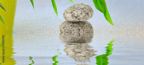 Photo sur Plexiglas Zen pierres a sable reflet