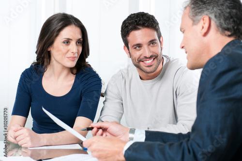 Fotografía  Financial planning consultation