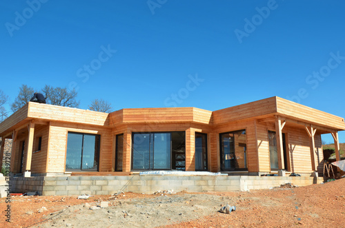 Photo  Maison en bois en chantier