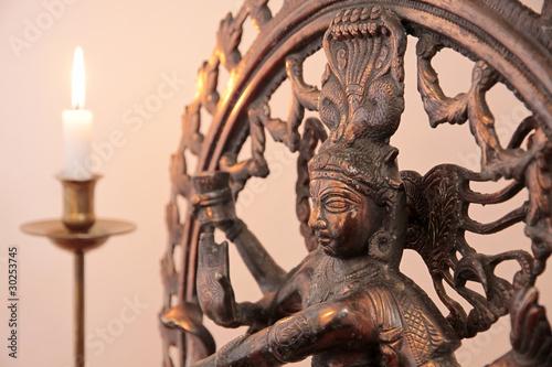 Plissee mit Motiv - Statue der Göttin Shiva mit Kerze