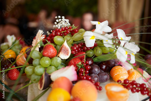Keuken foto achterwand Picknick Fruits on banquet table