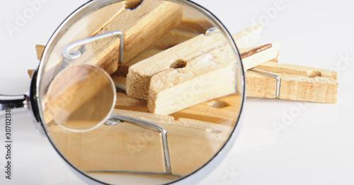 Foto op Aluminium Bier / Cider Wäscheklammer durch die Lupe