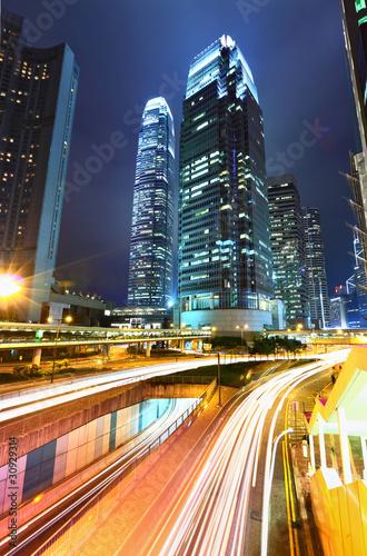 nowoczesne-miasto-noca